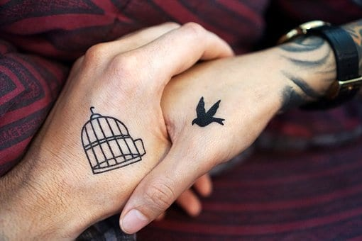 9b13f5755 Awesome Matching Tattoos-Awesome Harmonizing Images For Friends